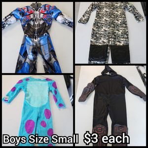 Boys Halloween Costumes $3 for Sale in Moreno Valley, CA