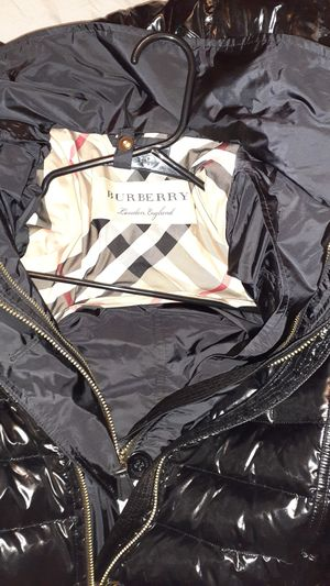 Burberry coat in a small for Sale in Phoenix, AZ