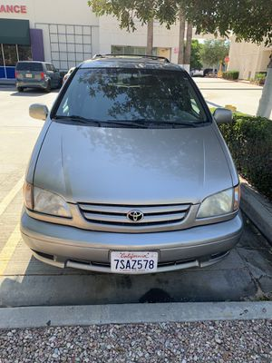 Toyota sienna 2002 for Sale in Ontario, CA