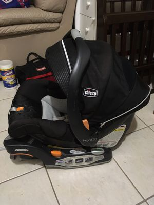 Chicco Keyfit 30 Zip Car Seat & Base for Sale in Staten Island, NY