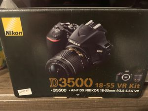 Nikon d3500 dslr 18-55m digital camera for Sale in Castro Valley, CA