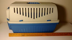 Skipper brand 17 in long small blue and white dog pet carrier crate for Sale in Columbus, OH