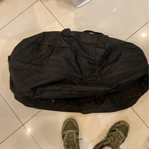 Smell Proof all Black Duffle Bag SET OF 2 for Sale in Beverly Hills, CA