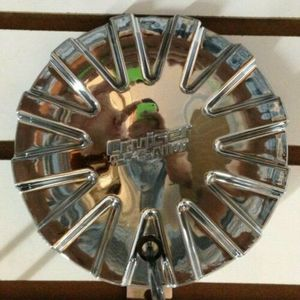 1 CRUISER ALLOYS Chrome Custom Wheel Center Cap Hubcap Rim Cover Cap M-375 Used for Sale in Phoenix, AZ