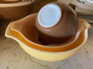 Set of Pyrex vintage bowls for Sale in Fresno, CA