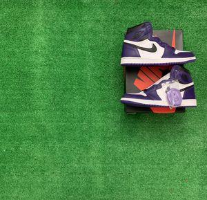 Jordan 1 retro court purple white size 10 for Sale in Hialeah, FL