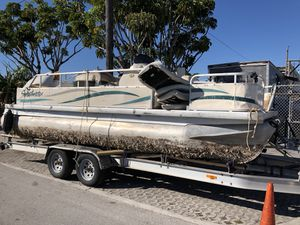 2004 sweetwater pontoon Yamaha 60 for Sale in West Miami, FL