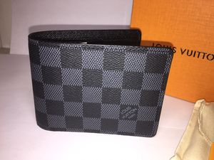 Louis Vuitton Damier Graphite Leather Wallet Authentic for Sale in Queens, NY