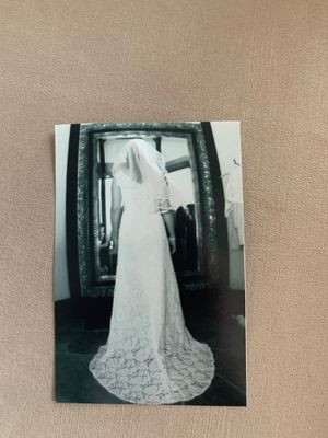 Size 6, Private Collection, Beautiful Lace Wedding Gown. for Sale in Los Angeles, CA