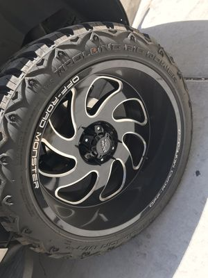 22x12.5 on 33 6 lug Chevy for Sale in Las Vegas, NV