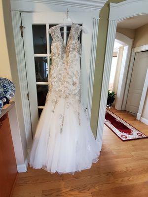 Wedding dress for Sale in Waterbury, CT
