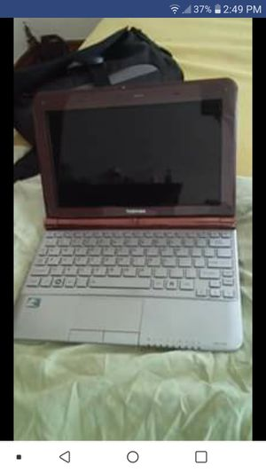 TOSHIBA laptop NB 305 with portable DVD inserter for Sale in Decatur, MI
