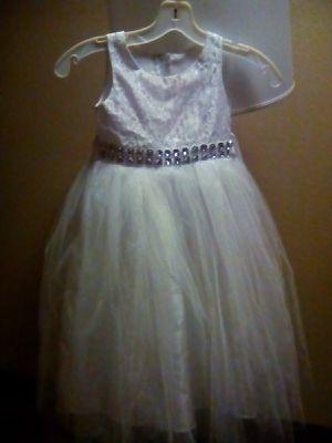 TGI Kids Little Girls White Lace Rhinestone Tulle Flower Girl Dress for Sale in Arlington, TX