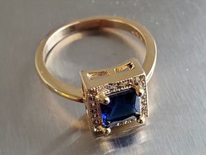 💍🎄14K YELLOW GOLD 2.29CT BLUE SAPPHIRE DIAMOND RING SIZE 6. for Sale in Las Vegas, NV