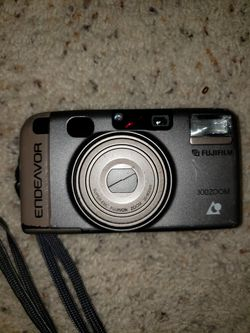 VINTAGE Fujifilm Endeavor Point & Shoot 35mm Camera for Sale in Tigard,  OR