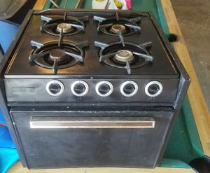 Rv propane stove and oven located in Dickinson 77539 or pick up in Webster 77598 for Sale in Dickinson, TX