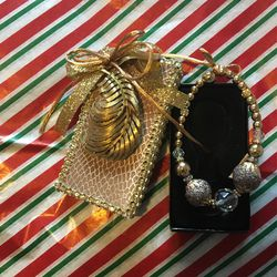 Gold N Glitter for Sale in Spring,  TX