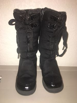 """""""Totes"""" Girl snow boots for Sale in Aurora, CO"""