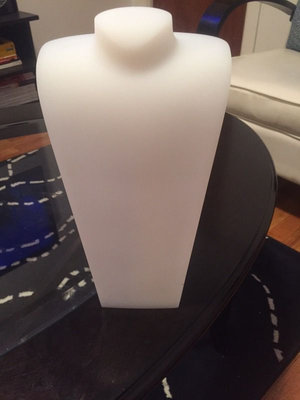 4 BRAND NEW White necklace stands