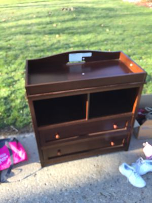 Baby changing table for Sale in Peoria, IL