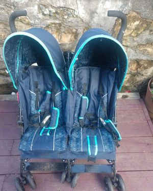 Double umbrella stroller for Sale in Seattle, WA