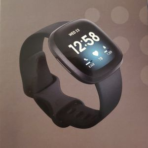 Fitbit Versa 3 Smartwatch for Sale in Tampa, FL