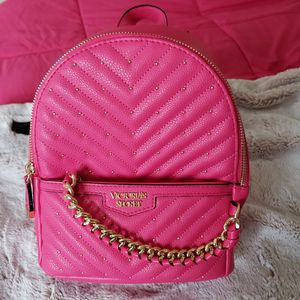 Brand new hot pink VS mini back pack purse for Sale in PA, US