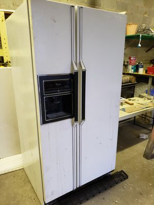 Whirlpool refrigerator for Sale in Concord, NC