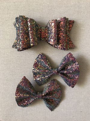 Colorful glitter faux bow for girls for Sale in Anaheim, CA