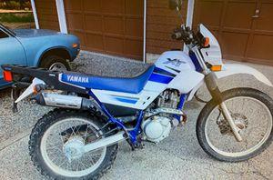 Yamaha 2002 xt 225 blue white street bike motorcycle for Sale in Bonney Lake, WA