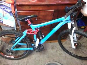 Giant downhill full suspension for Sale in Redmond, OR