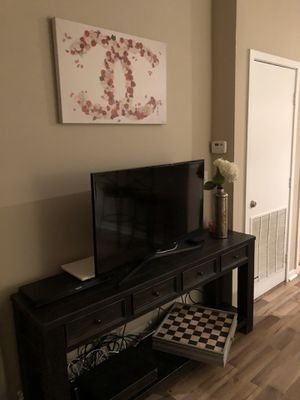 Media Table/ TV Entertainment Stand for Sale in Tampa, FL