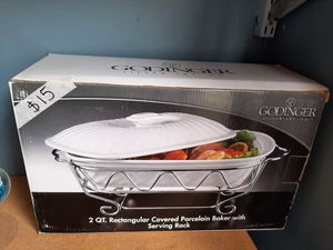 2 Qt. Baker with serving rack for Sale in Plainfield, IL