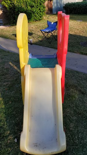Step 2 toddler's playground for Sale in Garden Grove, CA
