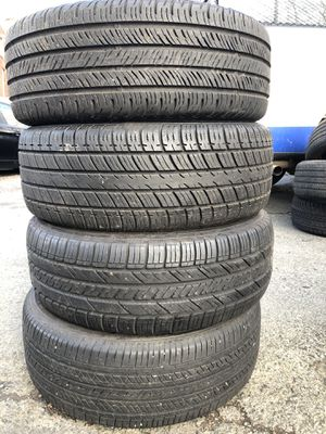 Set 4 used tire 205/55R16 Goodyear HANKOOK Continental UNIROYAL set 4 used tire $110 4 llantas usadas 205/55R16 Goodyear HANKOOK Continental for Sale in Alexandria, VA