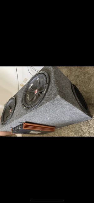 4 12 inch subwoofers with box and amp for Sale in Country Club Hills, IL