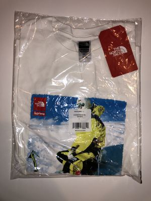 Supreme The North Face Tee Large for Sale in Lorain, OH