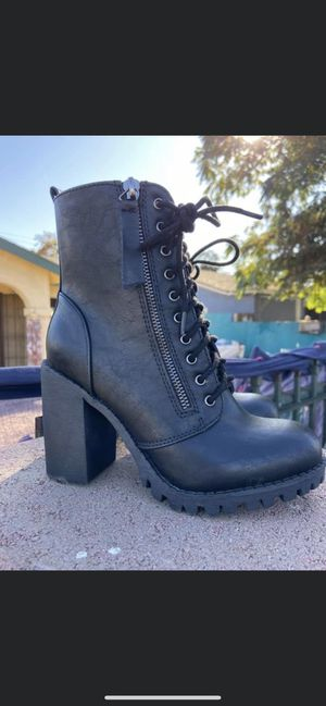 Black boots for Sale in Temple City, CA