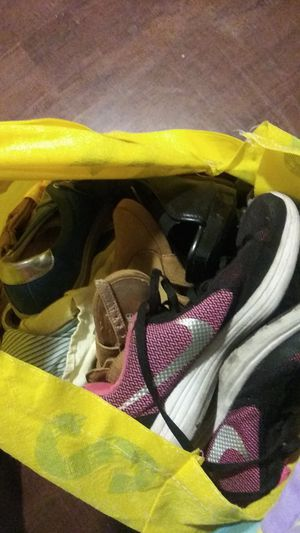 Bag Of Mix Clothes & Shoes for Sale in Los Angeles, CA