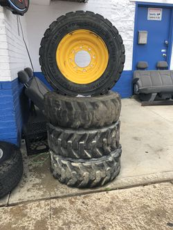Set of tires & rims for Sale in Stickney,  IL