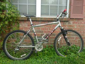 Trek 4500 bike (5'5-5'11) for Sale in Nashville, TN