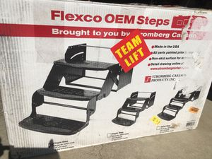 NEW Flexco Triple Step SMFP-3100 RV camper steps pull-out coach trailer for Sale in Cleveland, OH