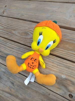 "WB Looney Tunes HALLOWEEN TWEETY BIRD IN PUMPKIN 9"" Plush for Sale in San Antonio, TX"