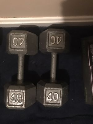 Dumbbells 25s and black 30s and 45s a gray package deal for Sale in Dundalk, MD