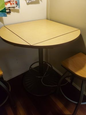 High Top Restaurant/Bar Table for Sale in Englewood, CO