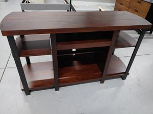$229 SOLID WOOD TV STAND MEDIA CONSOLE. IN GREAT CONDITION for Sale in Oviedo, FL