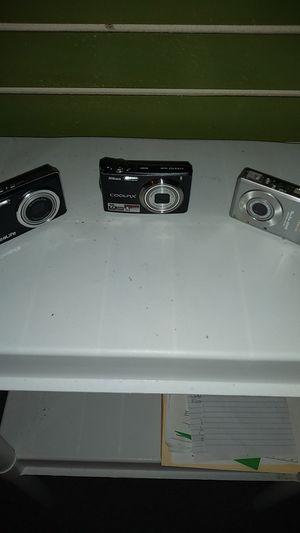 Multiple digital cameras/ video recorders. for Sale in Albuquerque, NM