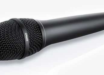Professional Handheld Wired Dynamic Microphone Audio Karaoke Singing Vocal Music for Sale in Huntington Park,  CA