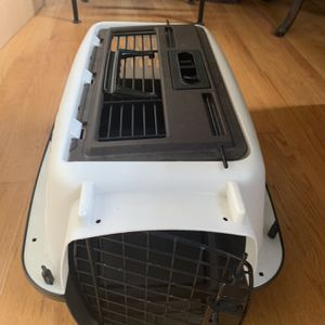Dog/Cat Crate for Sale in Renton, WA