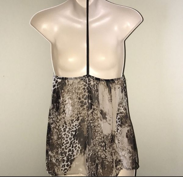 New beautiful print halter top for sale !!!